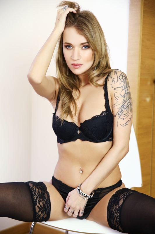 Angel Piaff - VR Porn Model
