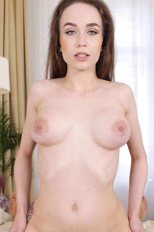 Angel Rush - VR Porn Model