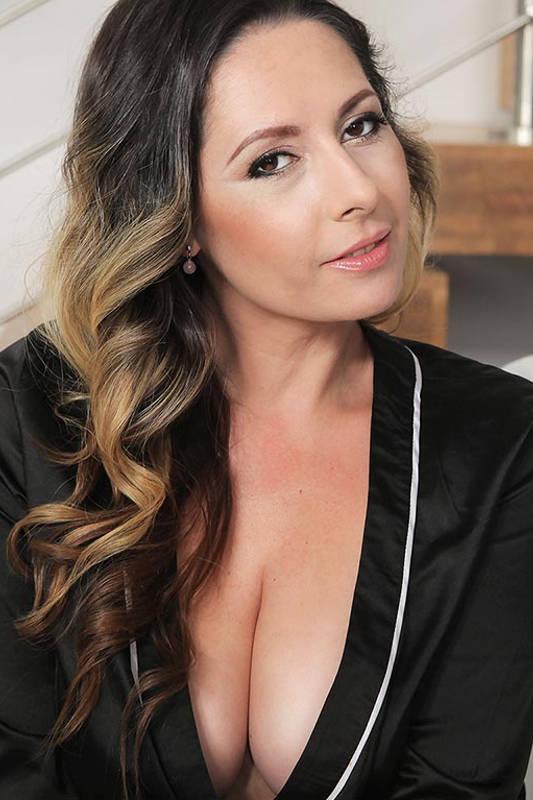 Daria Glower - VR Porn Model