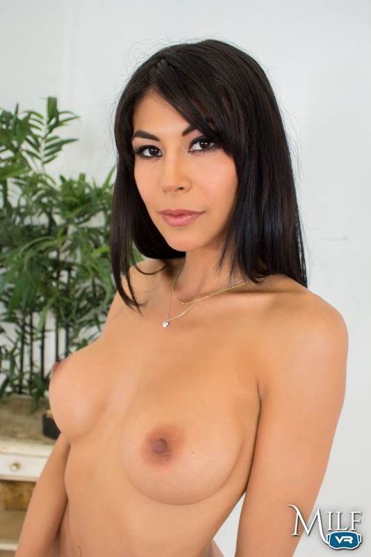 Heather Vahn - VR Porn Model