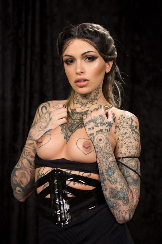 Leigh Raven - VR Porn Model