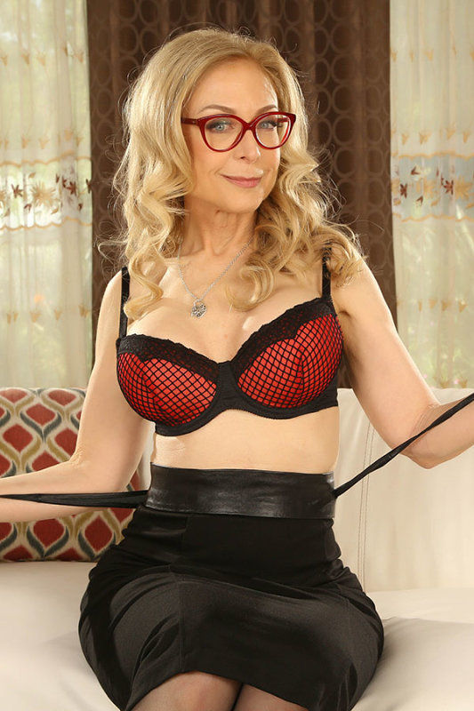 Nina Hartley - VR Porn Model