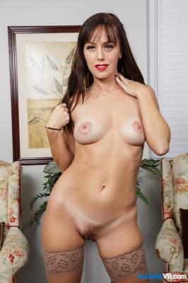 Alana Cruise - VR Porn Model