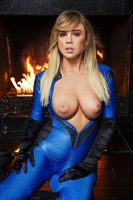 Alexis Adams - VR Porn Model