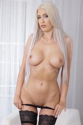 Blanche Summer - VR Porn Model