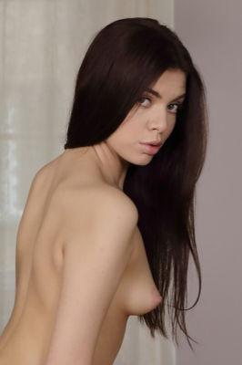Emily Mayers - VR Porn Model