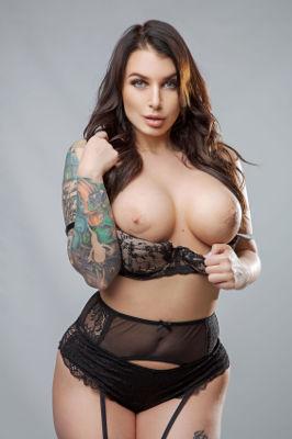 Ivy Lebelle - VR Porn Model