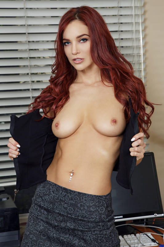 Jayden Cole - VR Porn Model