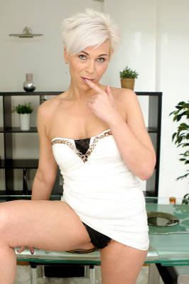 Kathy White - VR Porn Model