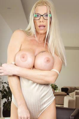Lara De Santis - VR Porn Model