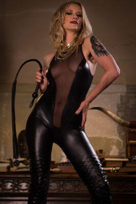 Maitresse Madeline Marlowe - VR Porn Model