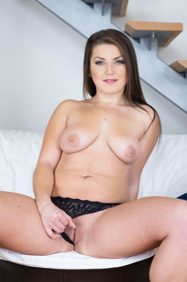 Nicolette Rey - VR Porn Model