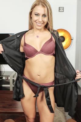 Nikky Thorne - VR Porn Model
