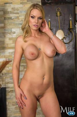 Rachael Cavalli - VR Porn Model