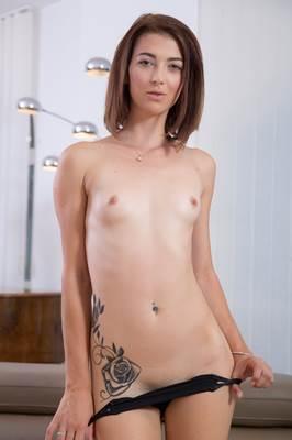 Tera Link - VR Porn Model