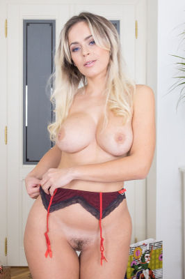 Vittoria Dolce - VR Porn Model