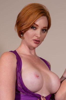 Zara DuRose - VR Porn Model
