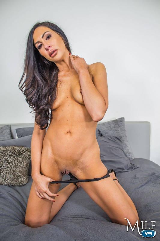 Tiffany Brookes - VR Porn Model