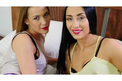 Strap On Lesbos - Alexis Crystal, Anna Rose - VR Porn - Image 145