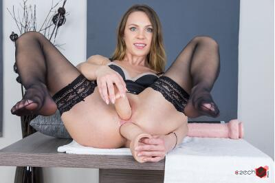 Let's See Those Gaping Holes! - Veronica Clark - VR Porn - Image 20