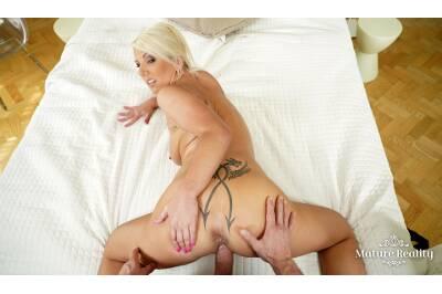 Seductive Stepmom - Luci Angel - VR Porn - Image 2
