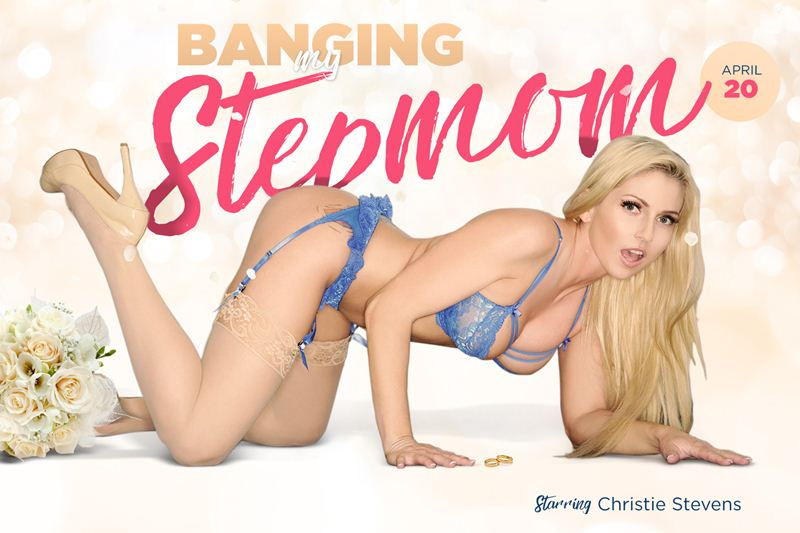 Banging My Stepmom feat. Christie Stevens - VR Porn Video