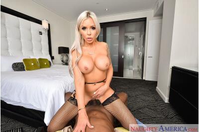 Porn Star Experience - Nina Elle, Prince Yahshua - VR Porn - Image 13