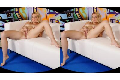 Blondie Loves Hardcore Pussy Rubbing - Rebecca Black - VR Porn - Image 23