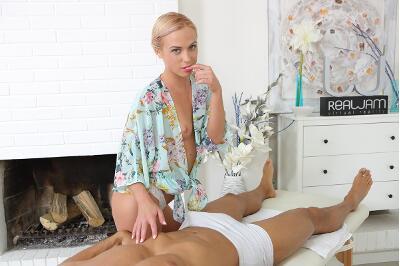 Hot Massage - Vinna Reed - VR Porn - Image 1