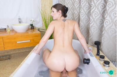 Sexy Bath - Jennifer Jane - VR Porn - Image 10