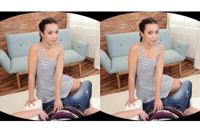 Patient Dude Gets Deep Blowjob - Amanda Estela - VR Porn - Image 1