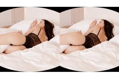Insatiable Brunette Goes Down - Freya Dee - VR Porn - Image 1