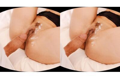 Insatiable Brunette Goes Down - Freya Dee - VR Porn - Image 6