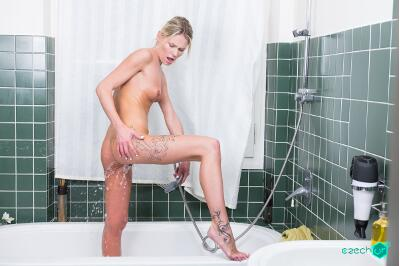 Bathroom Surprise - Claudia Mac - VR Porn - Image 45