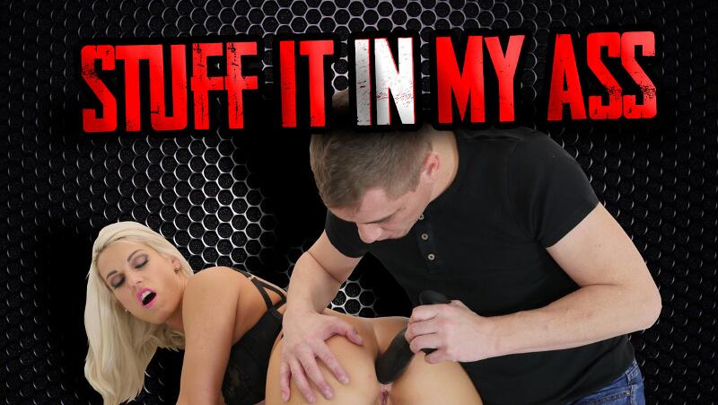 Stuff It In My Ass feat. Blanche Bradburry - VR Porn Video