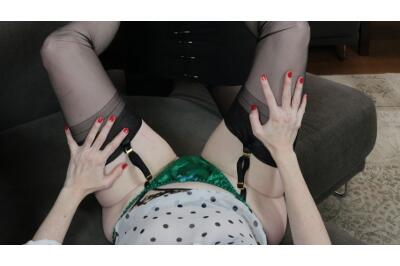 I Am A Woman - Julia, Krystal Swift - VR Porn - Image 2