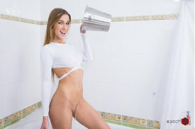 Peeing Alexis - Alexis Crystal - VR Porn - Image 2