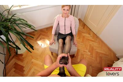 Classy Foot Fuck - Luca Bella - VR Porn - Image 2