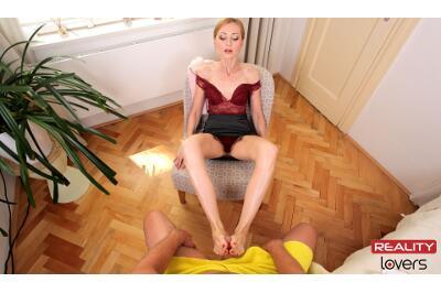 Classy Foot Fuck - Luca Bella - VR Porn - Image 3