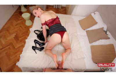 Classy Foot Fuck - Luca Bella - VR Porn - Image 4