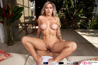 Lemon Is The New Charm - Mia Linz - VR Porn - Image 5