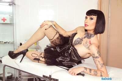 Dominate and Be Dominated - Mistress Minerva, Nora Barcelona - VR Porn - Image 3