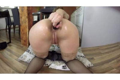 Nylon Mad Anal Beauty - Carol Gold - VR Porn - Image 5