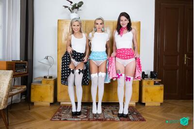 Retro Photo Session - Elena Vega, Lola Myluv, Victoria Pure - VR Porn - Image 5