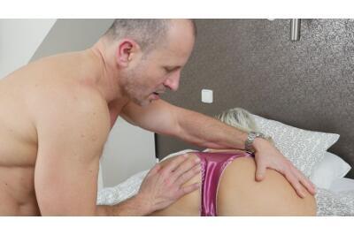 Lick My Panties, Lick My Pussy - George Uhl, Krystal Swift - VR Porn - Image 25
