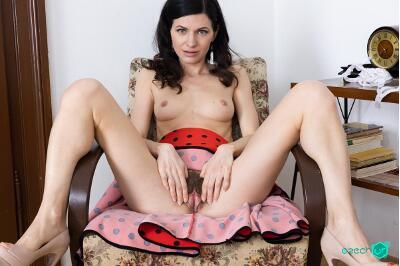 Old Time Secretary - Arian Joy - VR Porn - Image 6