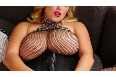Massive Tits And Ass - Krystal Swift - VR Porn - Image 9