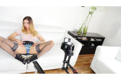 Hand Job Queen - Rachel Evans - VR Porn - Image 1