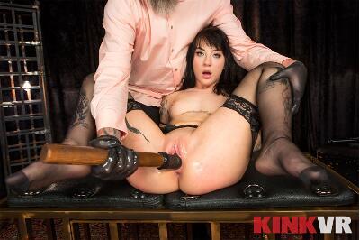 Predatory Play - Charlotte Sartre - VR Porn - Image 3