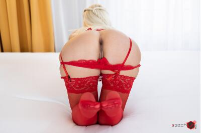 Fisted Bum - Helena Moeller - VR Porn - Image 25
